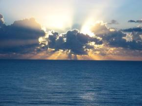 6am-sunrise-over-ocean